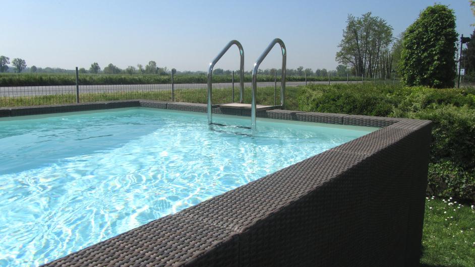 Mallorca Rattan Pool